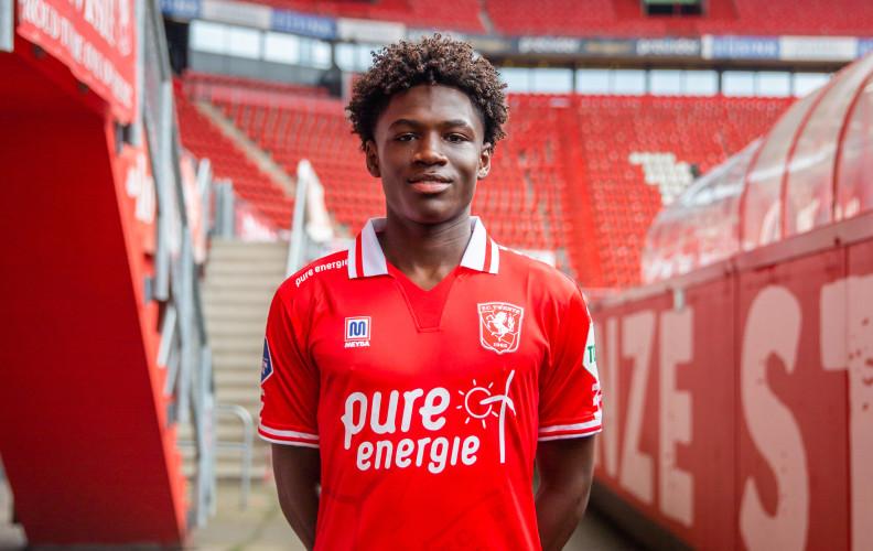 Jahnoah Markelo tekent contract bij FC Twente